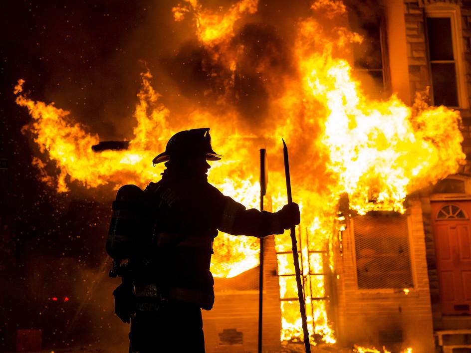 ВТюмени горел двухэтажный дом