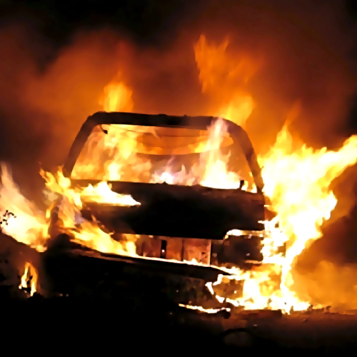 ВБарнауле из-за неисправности сгорели два автомобиля
