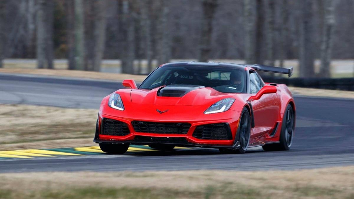 Детали о Шевроле Corvette ZR1