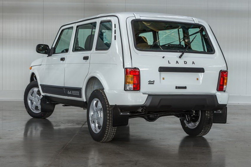 «АвтоВАЗ» начнет поставки пятидверных Лада 4x4 Urban представителям ксередине весны