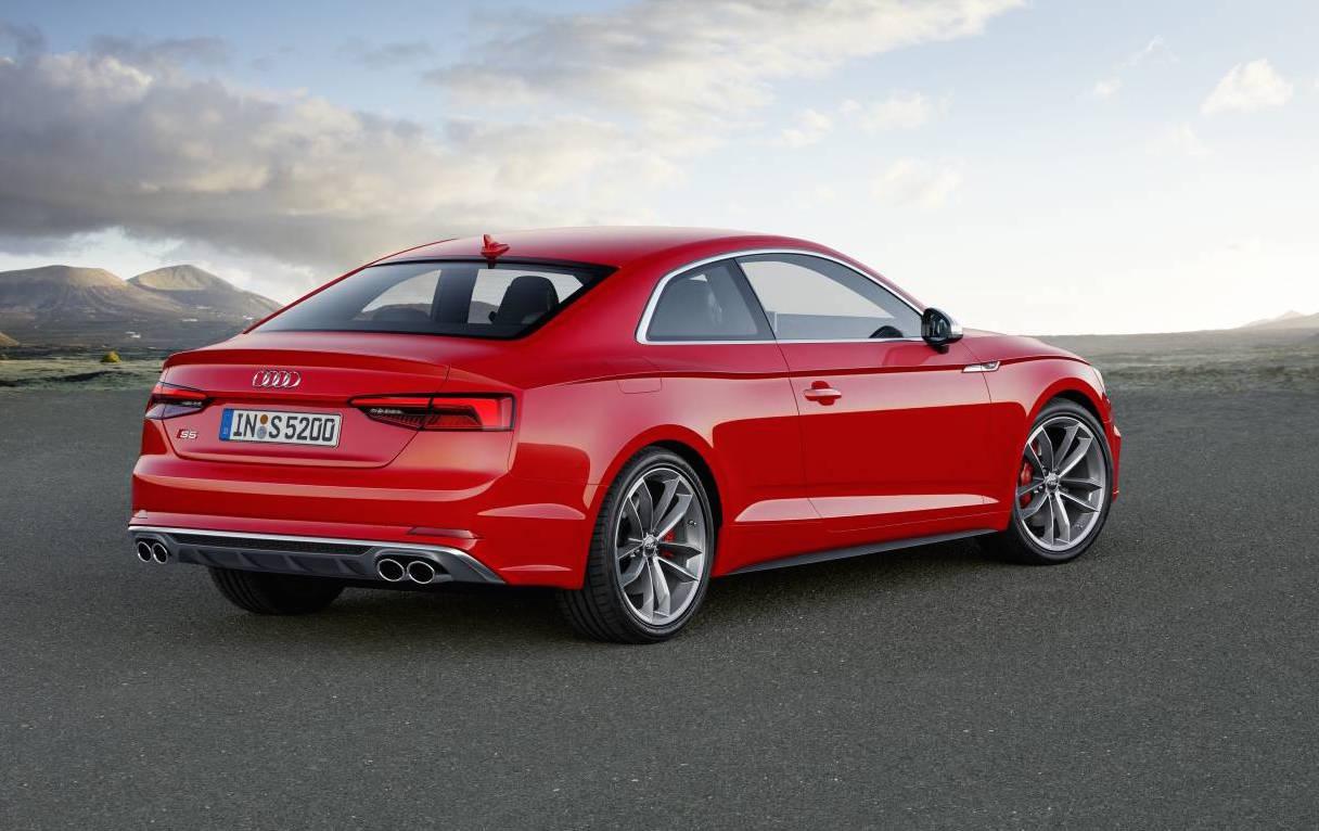 Ауди показала обновленную модель A5 Coupe 2017