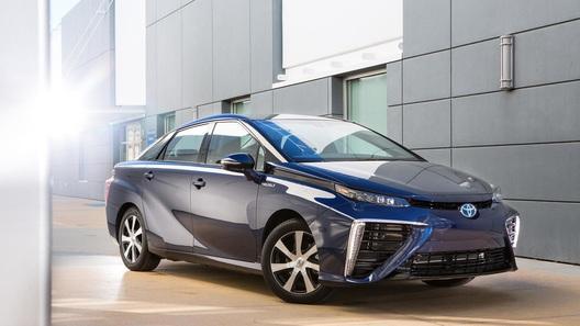 Водородная Toyota Mirai поедет покорять север Европы