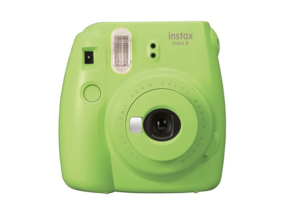 Fujifilm оснастила новейшую камеру зеркалом для селфи