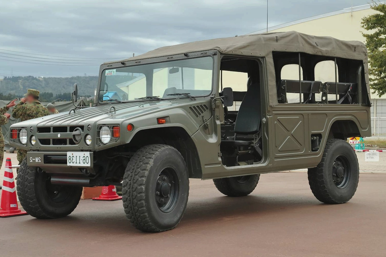 В Российской Федерации выставили на реализацию военный Тойота мега Cruiser