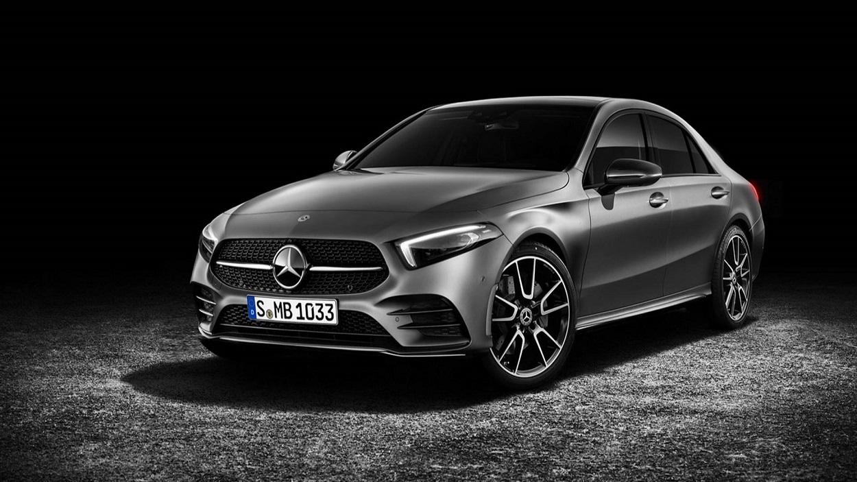 Компания Mercedes впервый раз покажет седан A-class вконце апреля