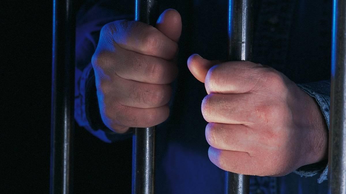 Гражданин  Удмуртии изнасиловал 11-летнюю падчерицу