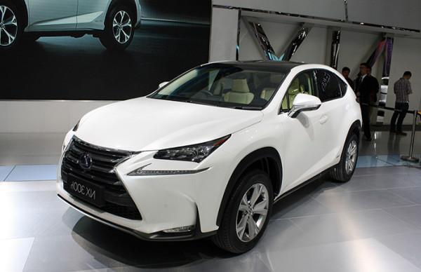 В США стартовали продажи кроссовера Lexus NX 300