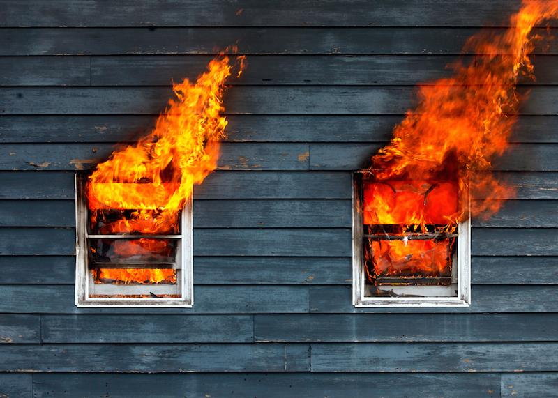 ВСаратове напожаре пострадал мужчина