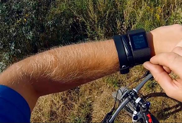 Fitbit выпустит «убийцу» смарт-часов Apple Watch данной осенью
