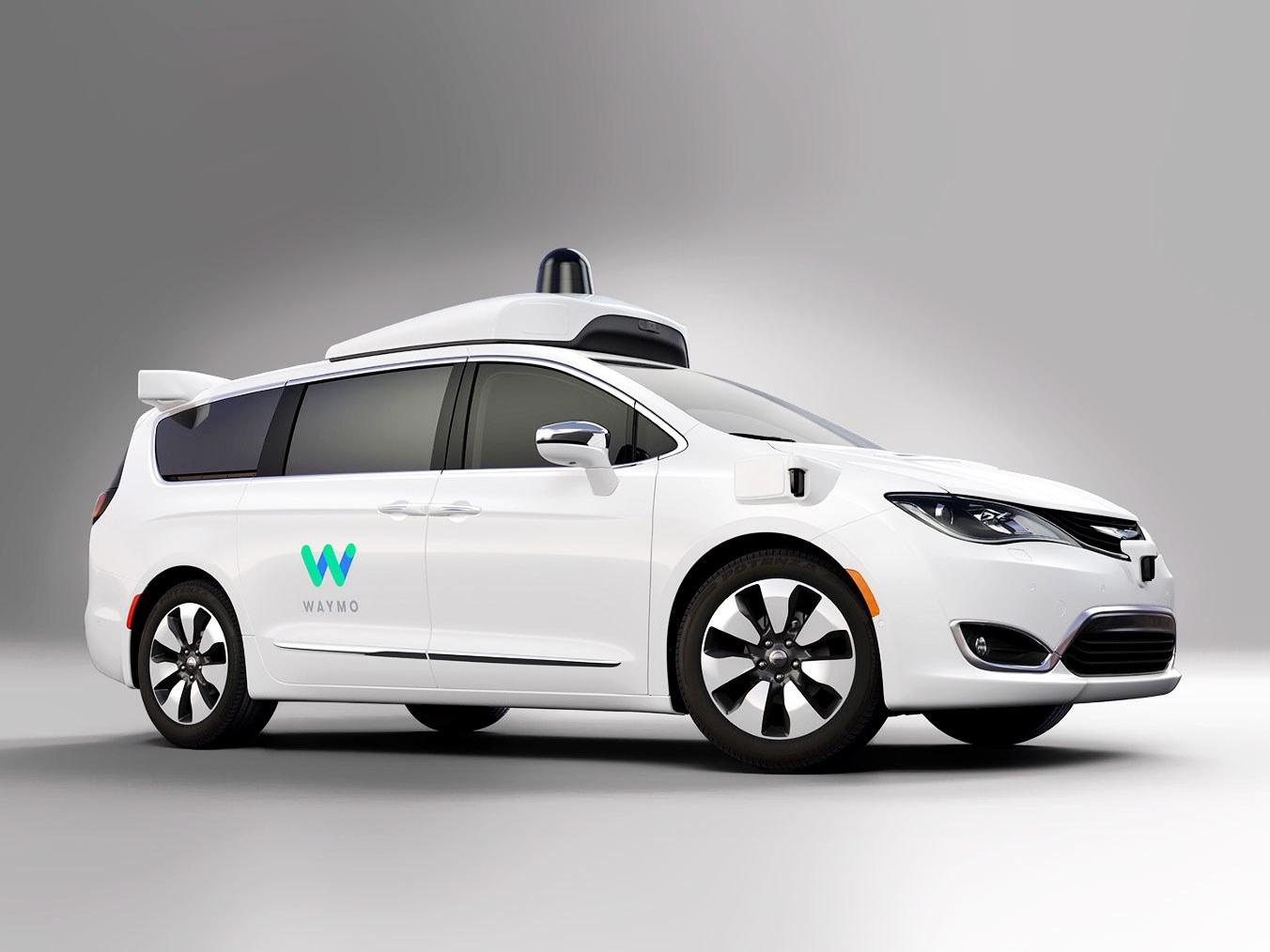 Waymo начнет тестировать беспилотники без водителя всалоне