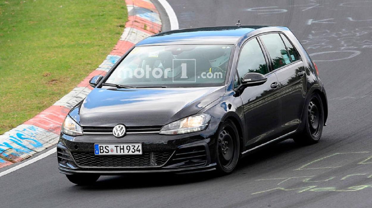 Volkswagen тестирует новый Golf