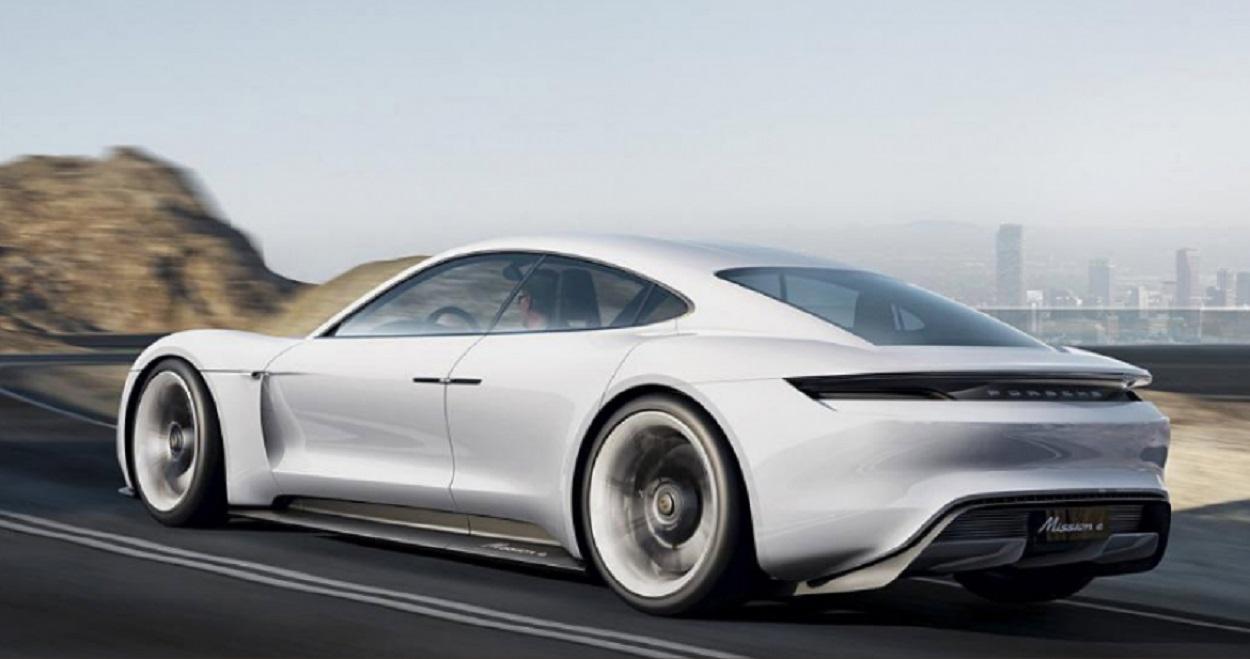 Опубликованы фото долгожданного электрокара Porsche Mission E