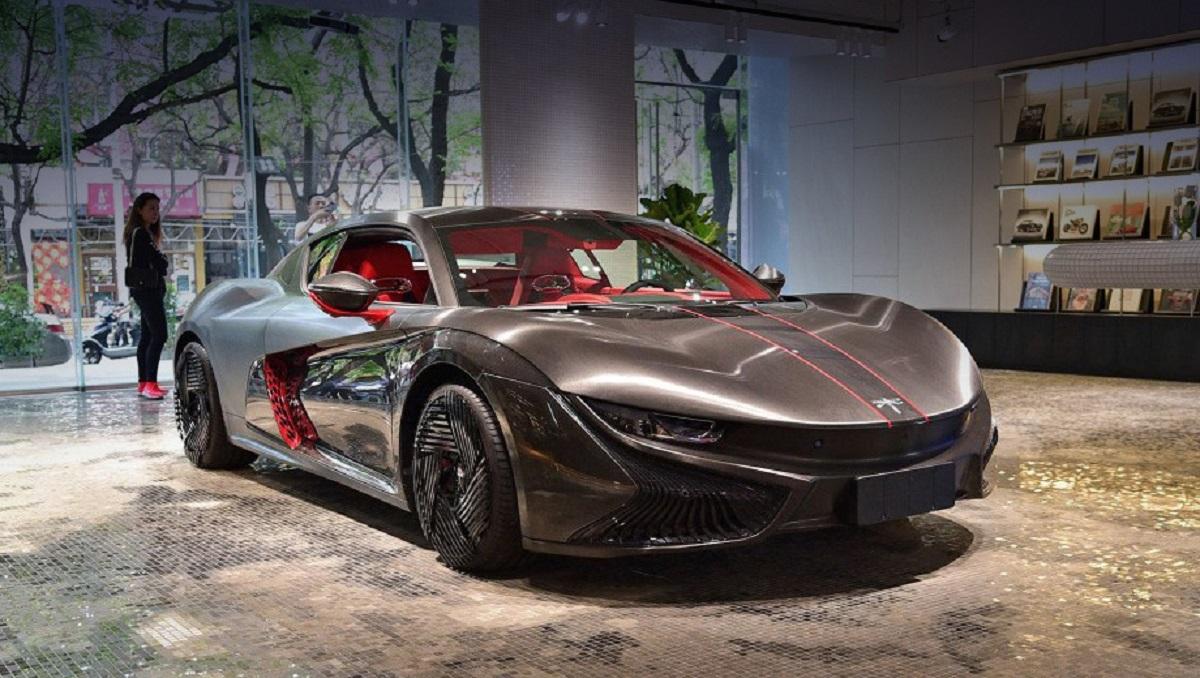 Qiantu Motor презентовала серийное купе K50 и концепт-кар K20 встолице Китая