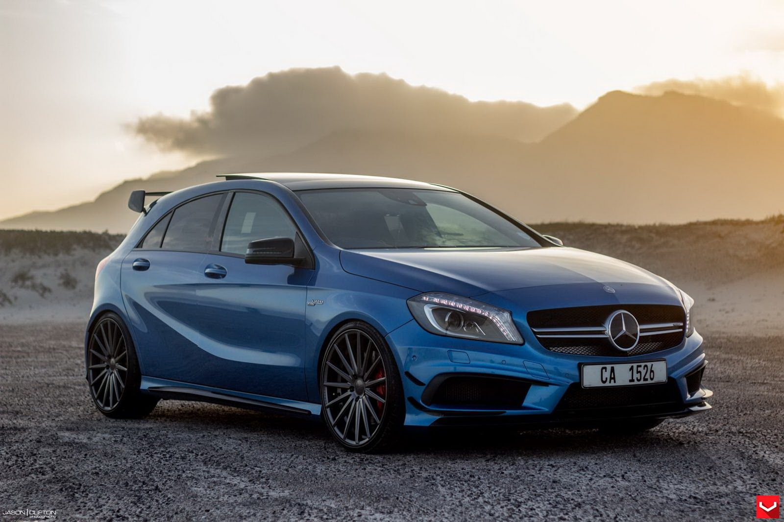 Benz A45 AMG получит 400-сильный мотор