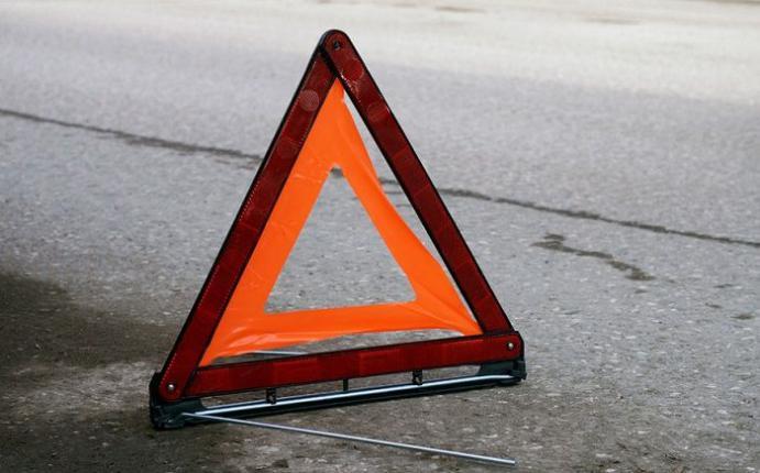 Только-только получившая права автоледи протаранила фургон наАЗС вЛысковском районе