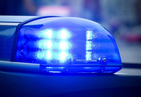 ВКалининграде шофёр джипа сбил подростка ималолетнюю девочку напешеходном переходе