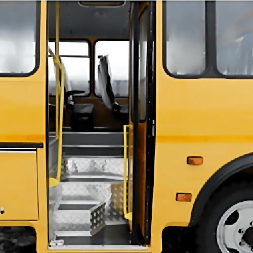 Вавтобусе соткрытой дверью упала 11-летняя девочка