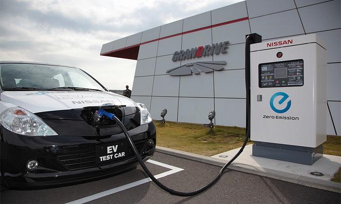 На платных дорогах появятся зарядки для электромобилей