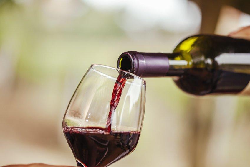 Ученые назвали позитивные свойства вина при влиянии нанервную систему