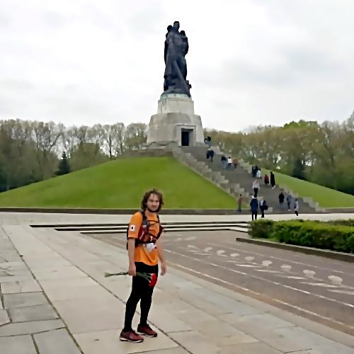 Магнитогорский «Форрест Гамп» добежал изВолгограда вБерлин