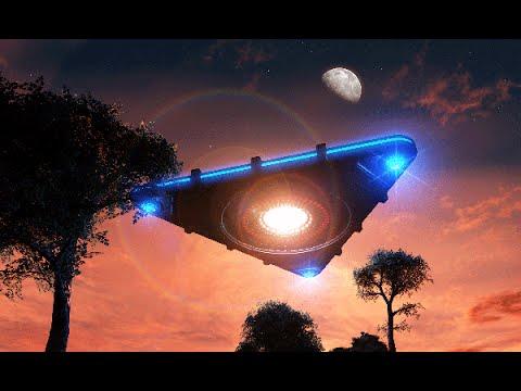 Уфолог обнародовал видео загадочных НЛО, зависших над Землей