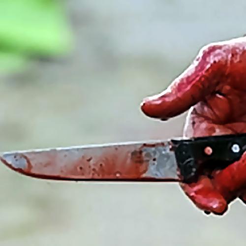 ВБалаково около торгового центра зарезали мужчину