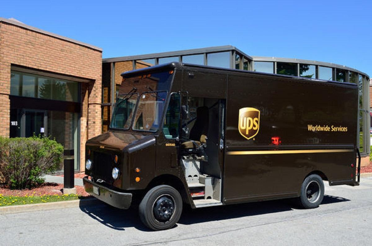 Компания UPS разрабатывает электрогрузовики для доставки посылок