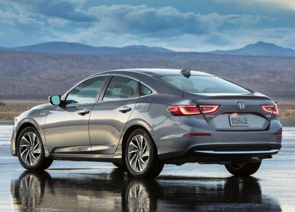 Новый седан Хонда Insight встал наконвейер вСША