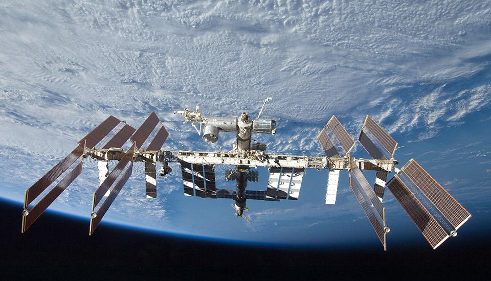 США планируют заказать уРФ космический корабль для полета кМКС