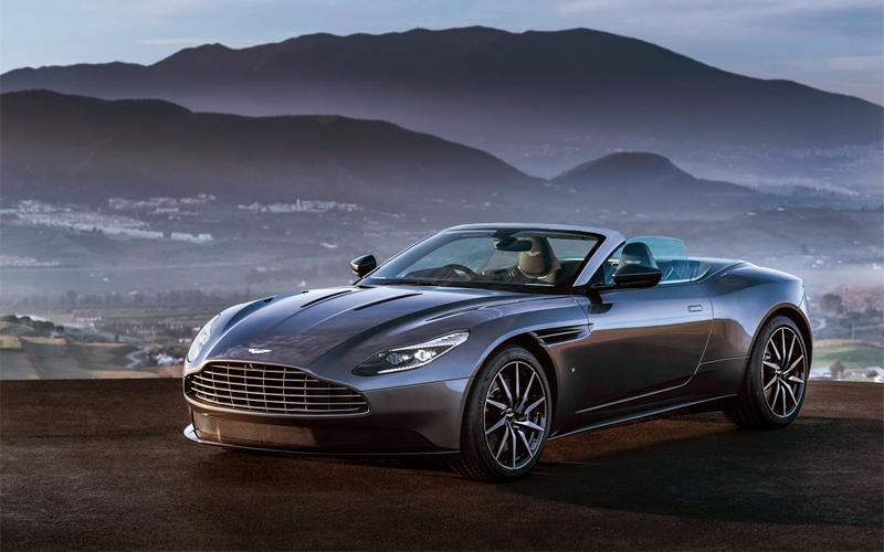 В сети появились новые снимки прототипа кабриолета Aston Martin DB11 Volante
