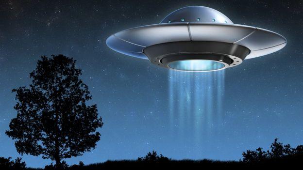 Американский уфолог обнародовал видеозапись нескольких НЛО