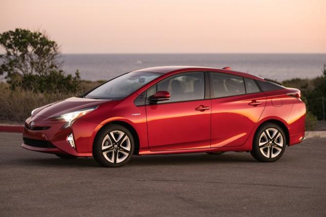 Мировые продажи гибридный моделей Тойота превысили 9 млн единиц
