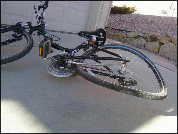 Наулице Малыгина Лексус сбил 17-летнего велосипедиста