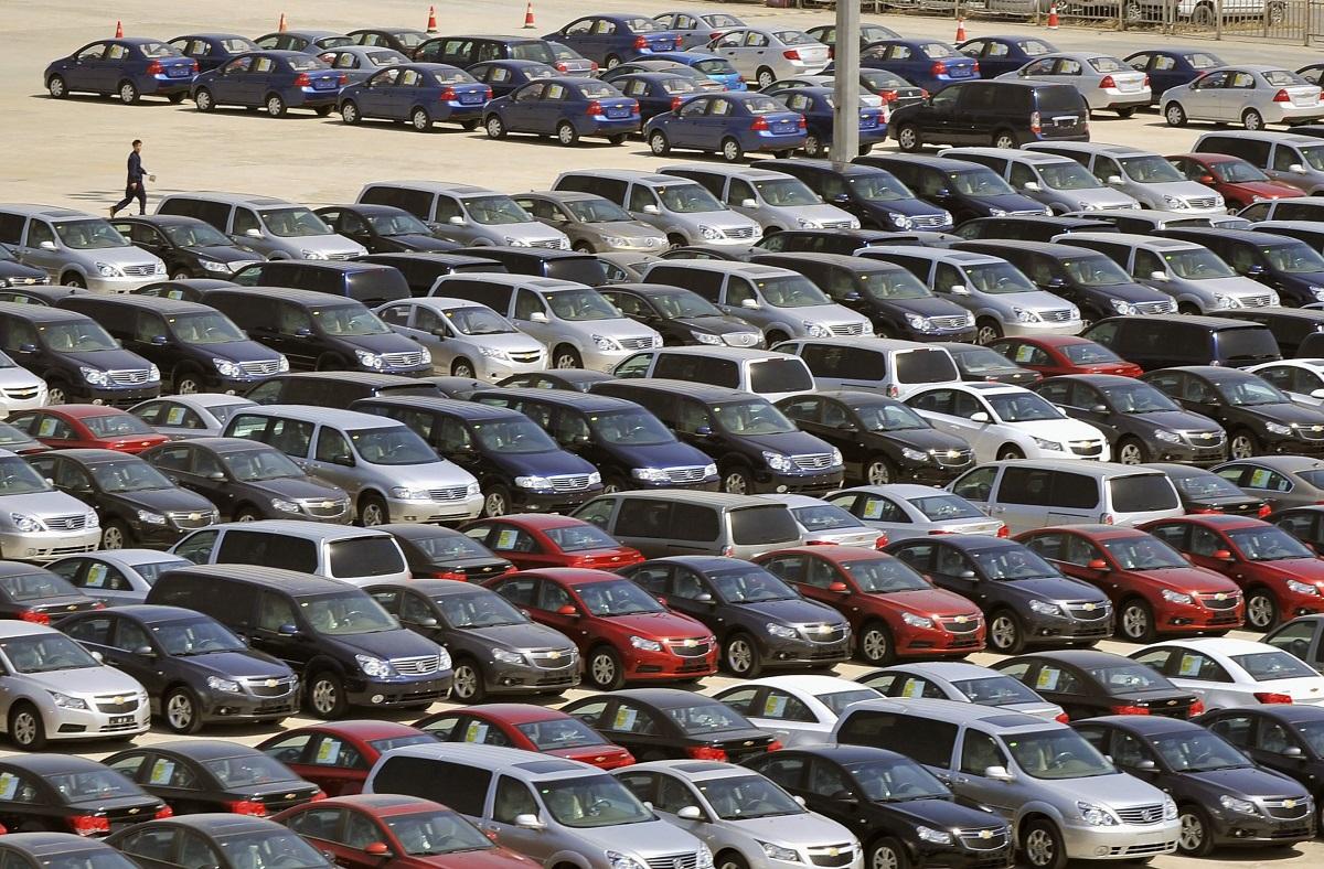 В апреле в России упали продажи легковых автомобилей с пробегом