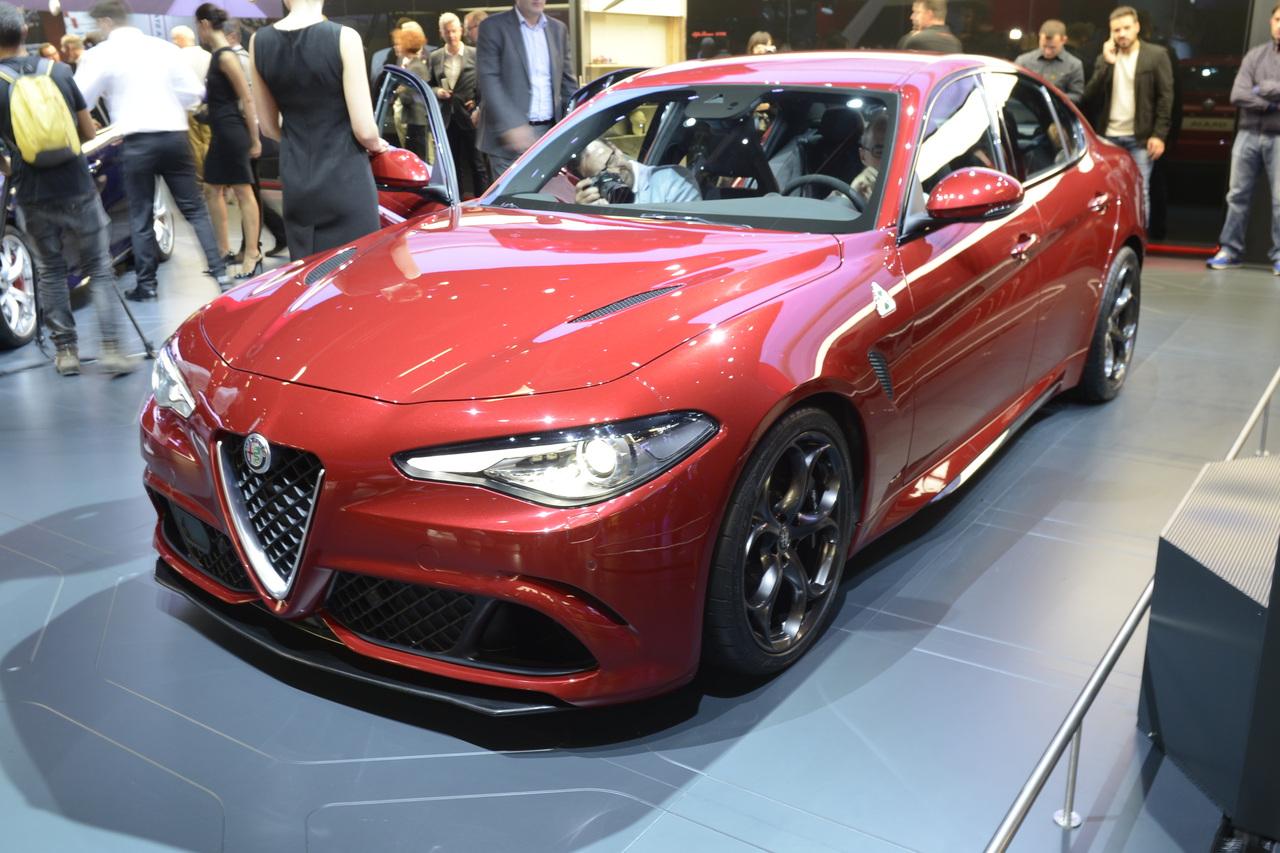 Компания Alfa Romeo озвучила цены на Giulia