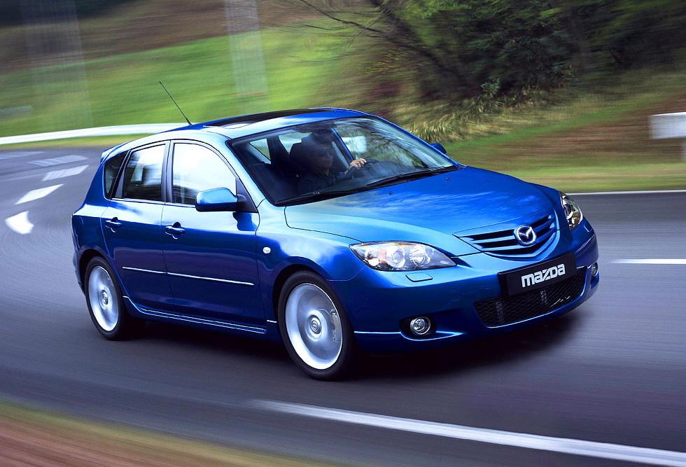В Сети опубликовано фото японской версии седана Mazda 3 после обновления