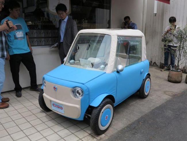 В Японии создали миниатюрный электромобиль с кузовом похожим на игрушку