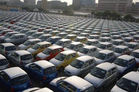 Рынок легковых автомобилей подрос в апреле