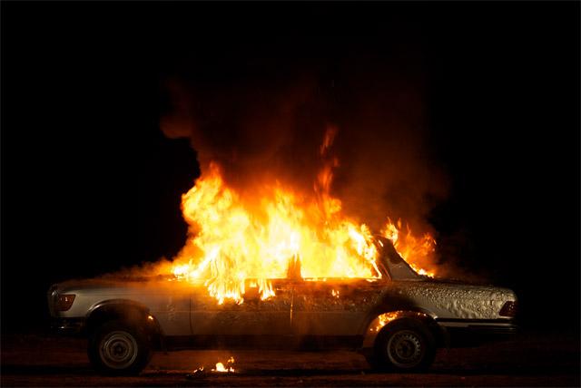 ВУльяновской области находу зажегся отечественный автомобиль «ВАЗ-2112»