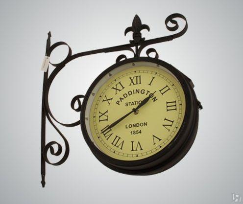 ВРостове появились первые уличные часы насолнечной батарее