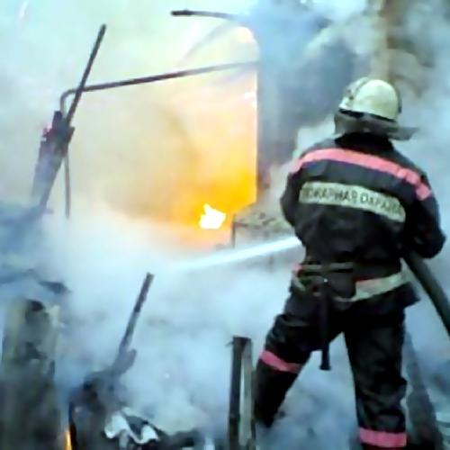 ВТольятти 20 человек тушили горящий дом наЖигулевском море