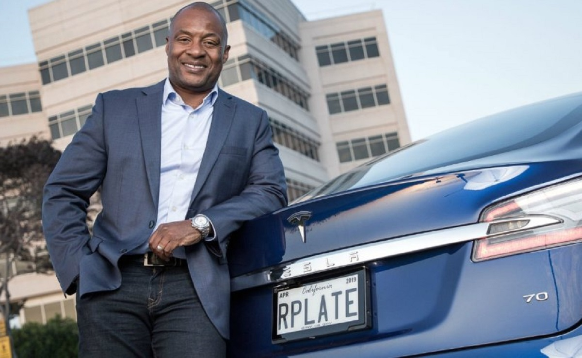 ВКалифорнии начали тестировать цифровые автомобильные номера