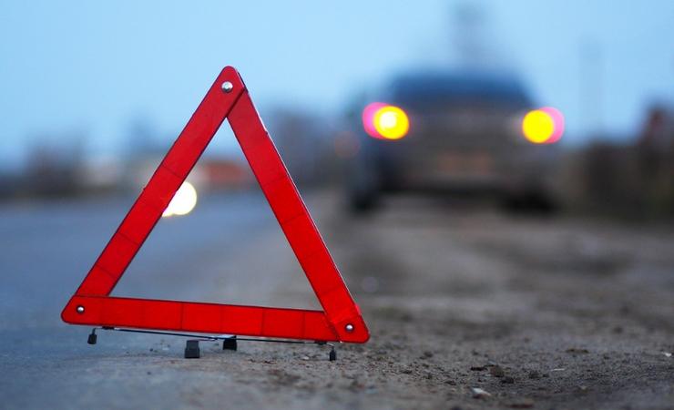 После тройного ДТП иностранная машина врезалась вмагазин наСтаврополье