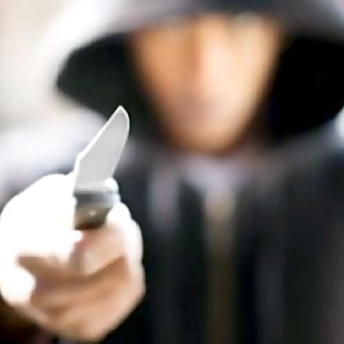 17-летний клиент ударил ножом продавца всамарском коммерческом центре