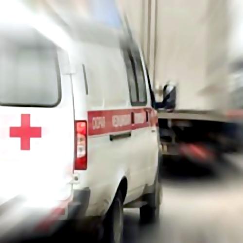 ВУфе машина скорой помощи «догнала» троллейбус