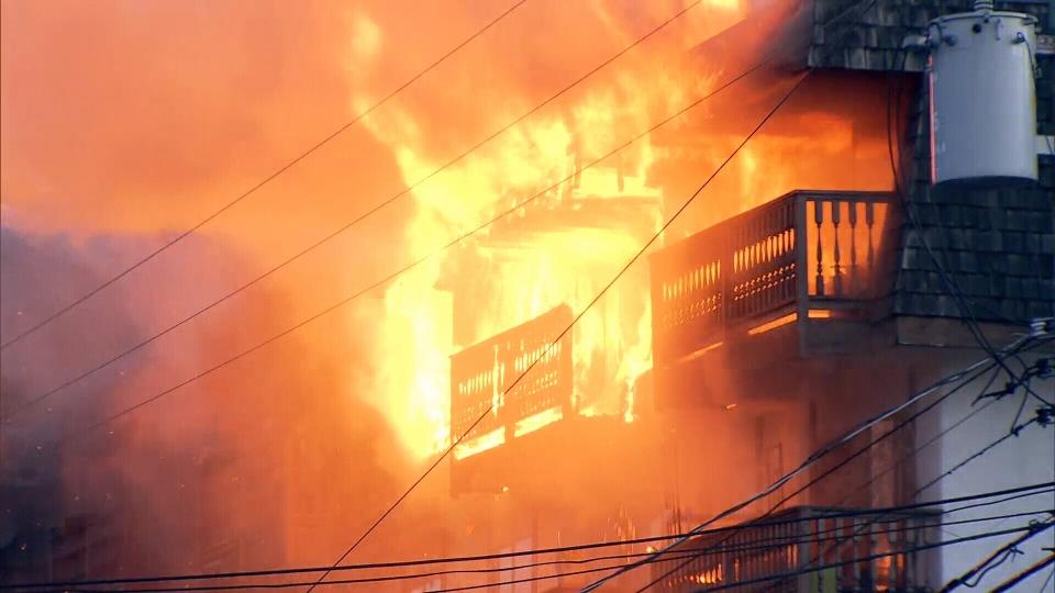 Два человека пострадали впожаре вжилом доме наулице Гарибальди