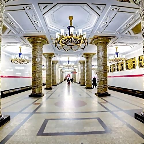 Станцию «Автово» петербургского метрополитена закрыли навход ивыход