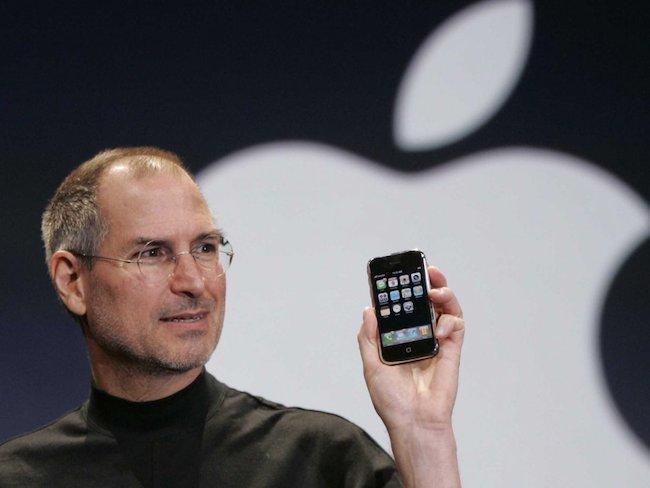 На площадке eBay выставлен самый первый iPhone