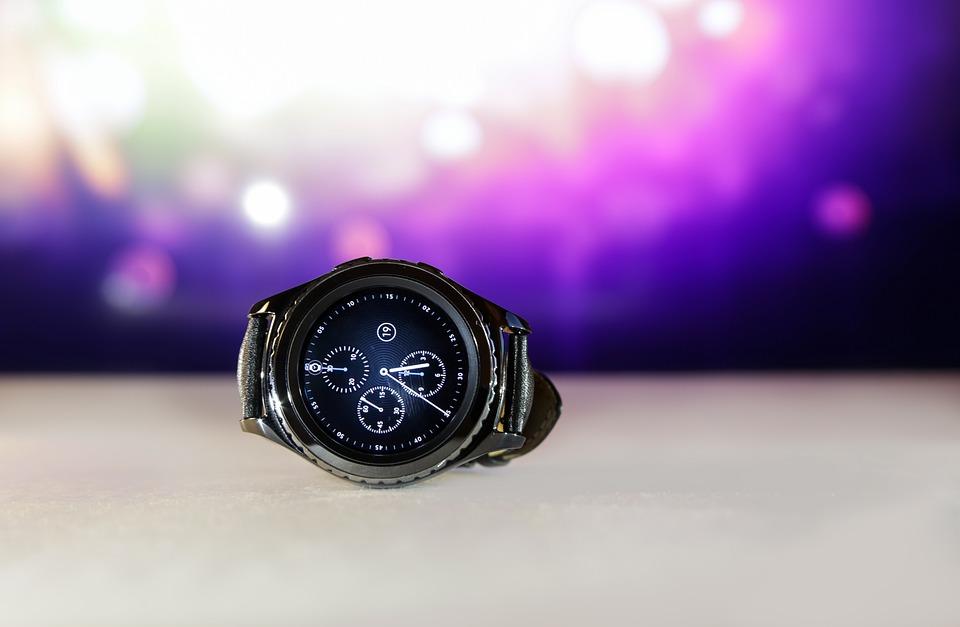 Первые фотографии умных часов Самсунг Galaxy Watch Active 2