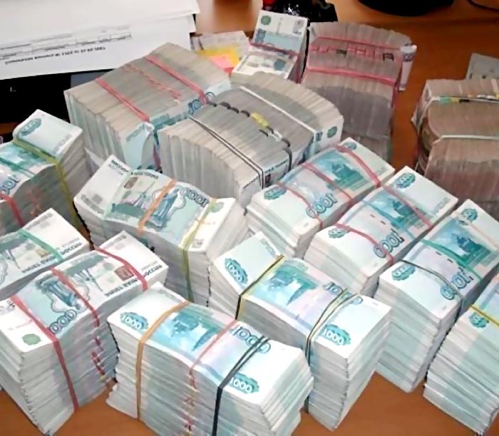За обналичивание 300 млн рублей под суд пойдут три жителя Татарстана